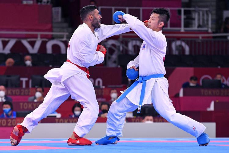 Busà takes gold in kumite